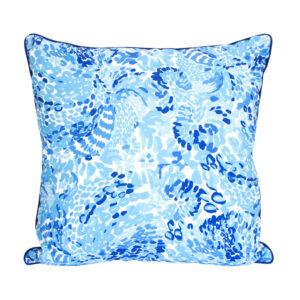 LILLY PULITZER INDOOR/OUTDOOR FLORAL BLUE PILLOW